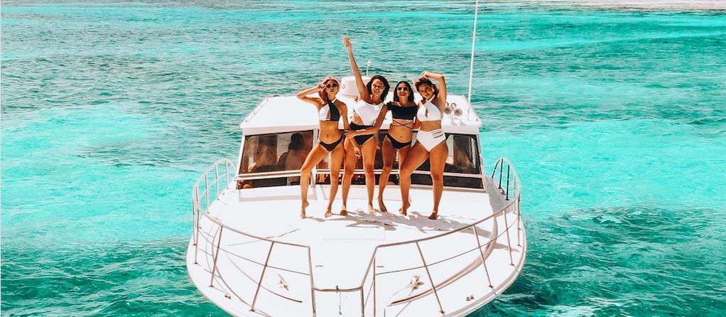 Scottsdale Boat Rentals: Adventurous Bachelorette Party